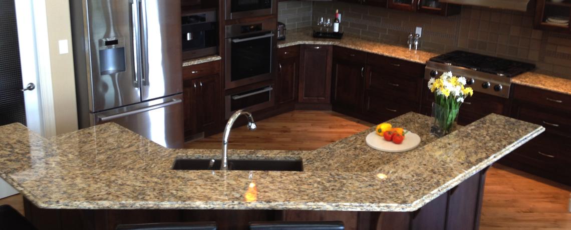 Beautiful Granite Countertop & Island – Salmon Arm Kitchen